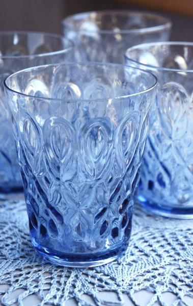 beautiful blue water glasses!