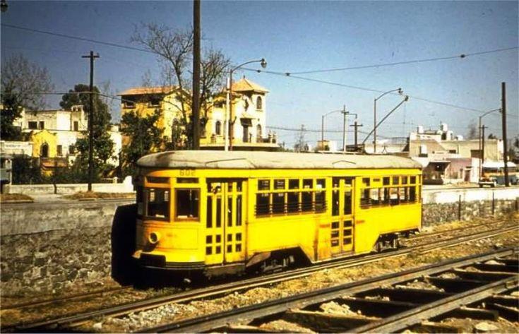 Tranvía sobre Calzada de Tlalpan 50's. Joe Testagrose. La Ciudad de México en el Tiempo | Flickr - Photo Sharing!