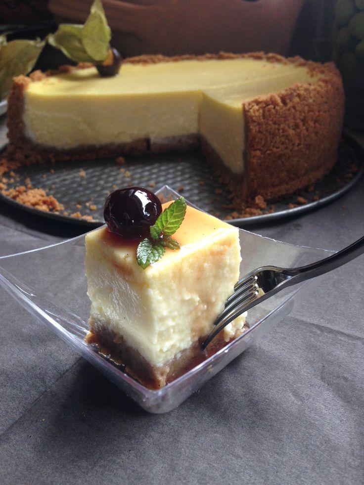 Cheesecake con salsa d' alchechengi in finger