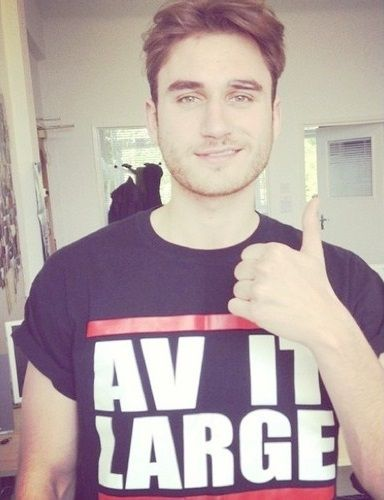 Charlie Clapham a.k.a Freddie from Hollyoaks. He's my favourite Roscoe :3 .