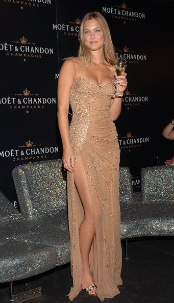 Bar Refaeli Photo - Bar Refaeli Launches New Mo??t & Chandon