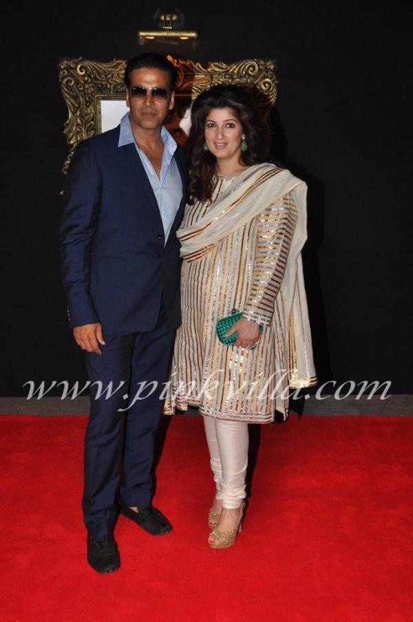 Akshay Kumar & Twinkle Khanna at the premiere of JTHJ. This is Twinkle's first public appearance since having their daughter. She is wearing Abu Jani & Sandeep Khosla.