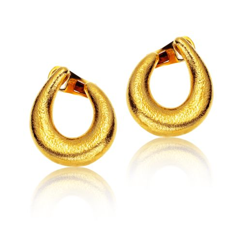 Classics earrings in 22KT yellow hammered gold.