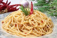 Pasta con la mollica, aglio olio e peperoncino
