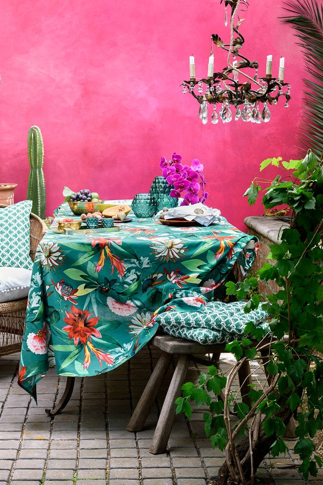 Summer's just around the corner, we can't wait to let the sunshine in and move outside to enjoy festive meals and lazy summer breakfasts. | H&M Home