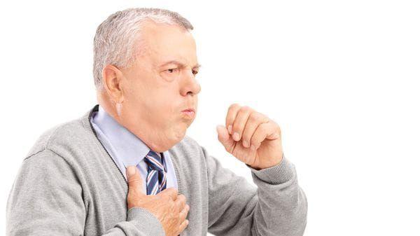 La tos es un reflejo que mantiene despejada la garganta y las vías respiratorias (iStock)