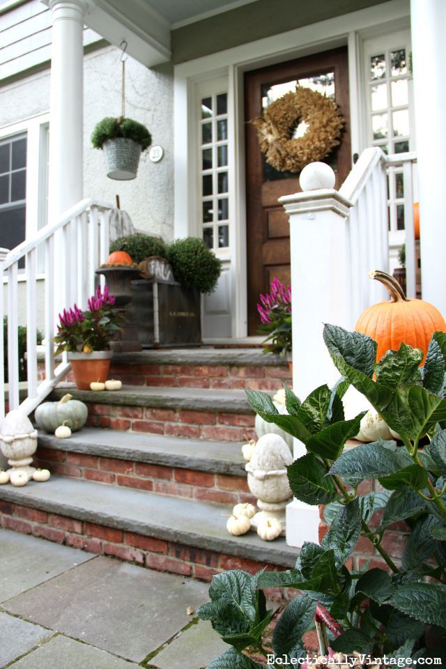 Love this beautiful fall front porch filled with natural Beautiful fall front porches