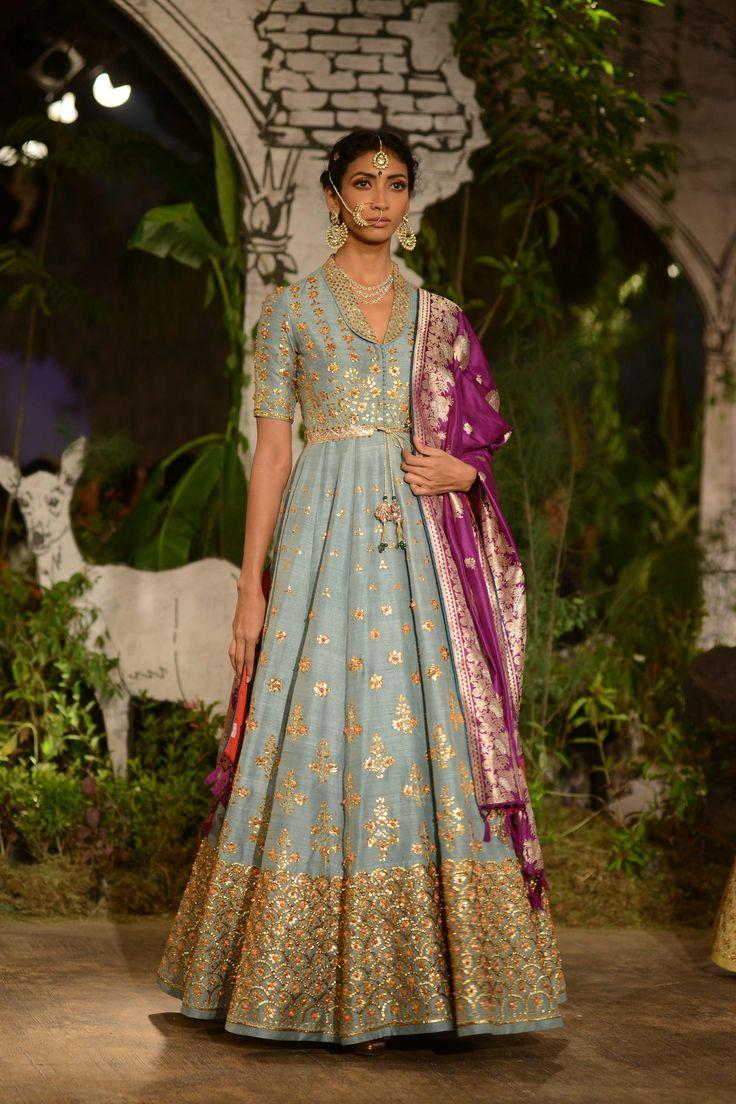 Anju Modi Clothing's collection 'Sunehari Kothi' showcased on Day 4 of India Couture Week 2017.#ICW2017https://www.perniaspopupshop.com/