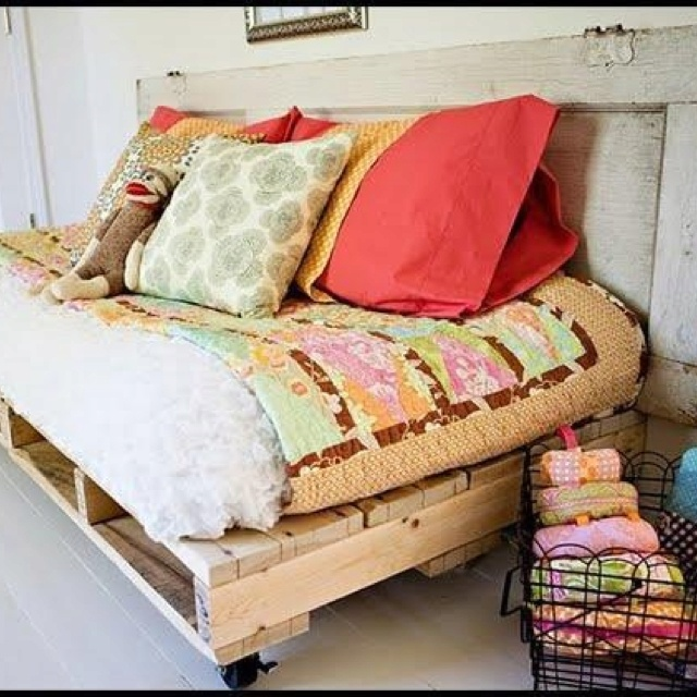 beds pallet couch pallet bed frames wood pallet beds diy pallet bed