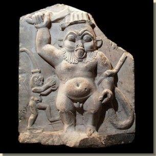 De god Bes, Allard Pierson Museum, Amsterdam. Bes was een van de meest geliefde goden uit het Egyptisch pantheon, vooral in de Ptolemaeën Tijd en de Romeinse Tijd is de god erg populair onder het gewone Egyptische volk. De herkomst van de god Bes is niet helemaal duidelijk. Zijn naam Bes heeft waarschijnlijk betrekking op meer goden en demonen en is afgeleid van het woord 'besa' dat bescherming betekent.  Lees het volledige artikel op Kemet.nl