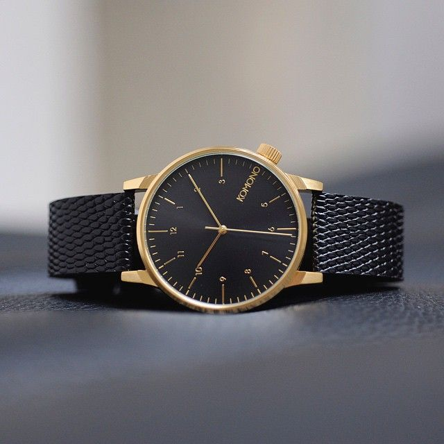 Black and Gold vibes with the Winston Monte Carlo Lizard.