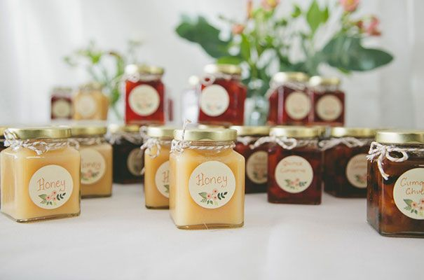 RACH + JOSH // #favours #honey #wedding #bomboniere #sweets #inspiration