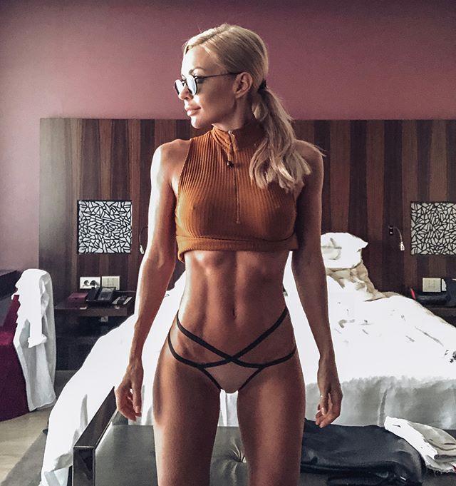 Екатерина усманова рост вес нужны модели для макияжа москва