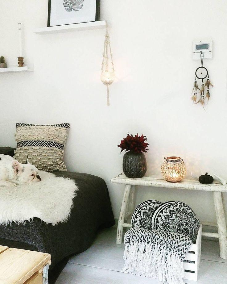 die besten 25 schaffell ideen auf pinterest flauschiger teppich fellteppich und wei e teppiche. Black Bedroom Furniture Sets. Home Design Ideas