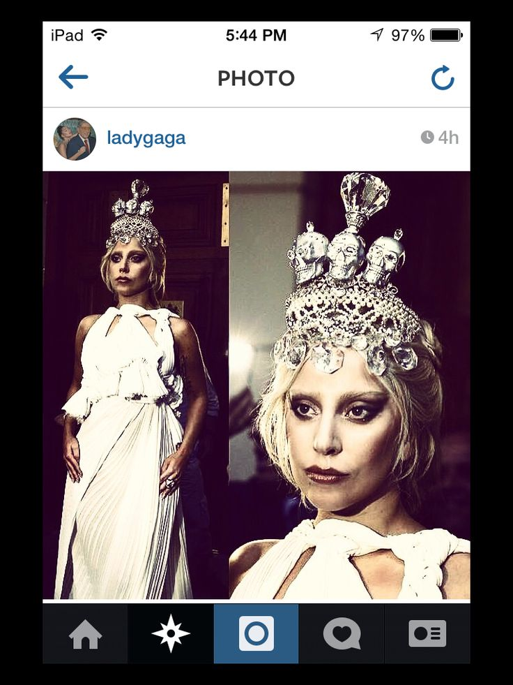 Lady Gaga in Greece. Love that skull crown.