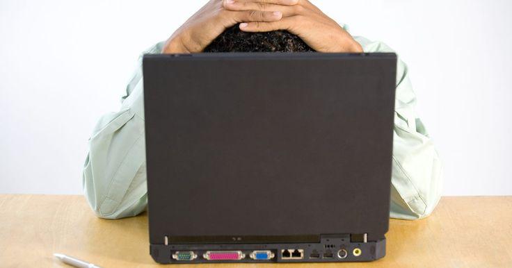 Mi portátil Toshiba no se apaga . Tu computadora portátil Toshiba ejecuta alguna versión del sistema operativo Windows, la cual no permitirá que el equipo se apague si algún programa no se ha cerrado. Incluso si has cerrado todos los programas con los que estás trabajando, en ocasiones un proceso de segundo plano no se cerrará correctamente, por lo que tu computadora mostrará ...