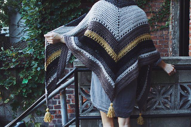 Ravelry: Tea House Wrap pattern by Alexandra Tavel
