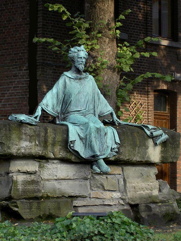 Standbeeld van Hendrik Van Veldeke - Hasselt