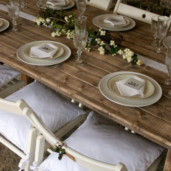 Klapptisch leihen für lange Hochzeitstafel, gefunden bei www.fraeulein-k-sagt-ja.de