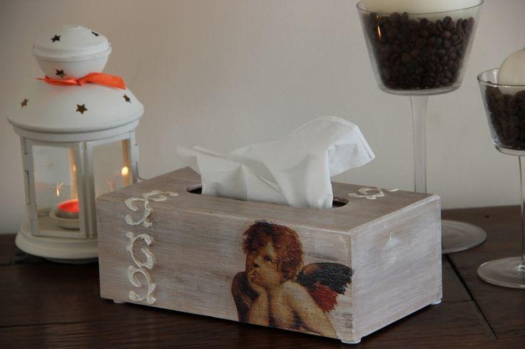 Pudełko na chusteczki w Motilove na DaWanda.com