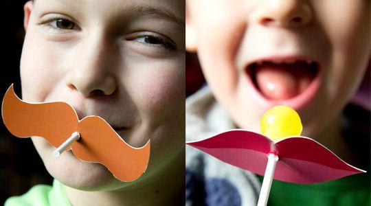 décorer des sucettes avec une moustache