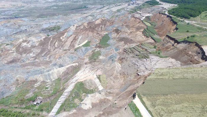 Αμύνταιο: Γκρεμίζουν ολόκληρο χωριό μετά την κατολίσθηση - Υπεύθυνες όλες οι μνημονιακές κυβερνήσεις
