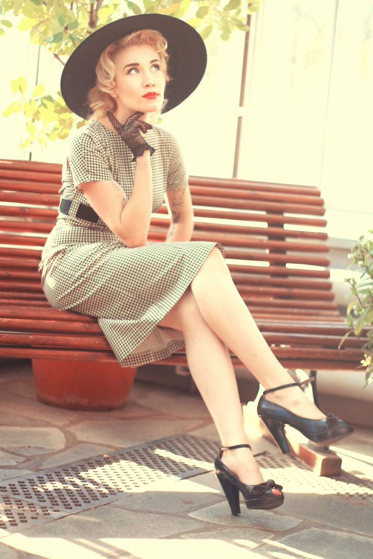 Black brimmed hat and black and white vintage dress    by Cherise http://www.cherise.eu/en/
