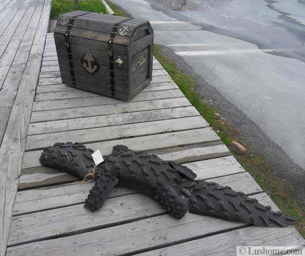 17 best images about recycle ideas on pinterest for Alligator lawn decoration