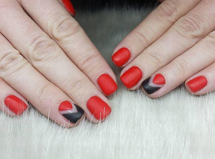 cool Необычный красно-черный маникюр (50 фото) — Свежие идеи дизайна Читай больше http://avrorra.com/krasno-chernyj-manikyur-foto-idei/