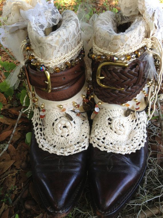 Boho gypsy Wedding Boots Made to von ThePaintedPalomino auf Etsy