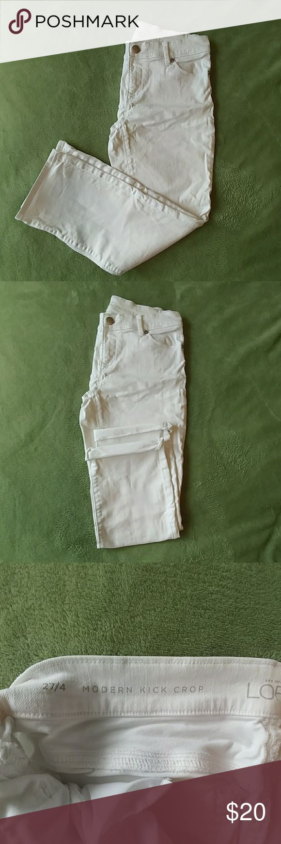 "White Kick Crop Jean This white jean is cropped and is a ""kick crop"" meaning that it is flared just a bit at the buttom where it is cropped. Great condition. Been in storage for the season so just a little wrinkly. LOFT Jeans Ankle & Cropped"