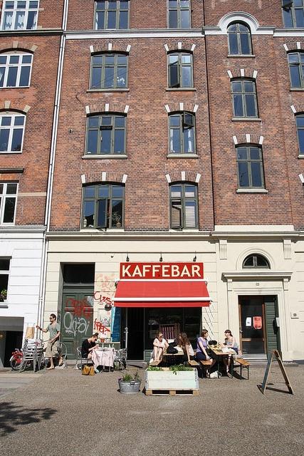 A coffee sop in Copenhagen - Kopenhagen http://www.visitcopenhagen.com/copenhagen/gastronomy/top-10-coffee-shops
