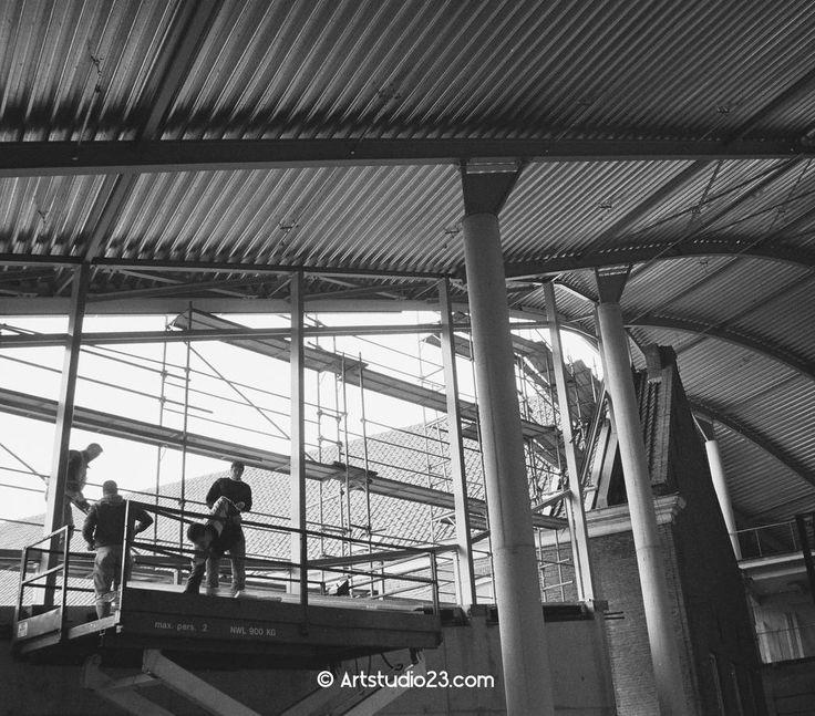 Echte mensen: bouwvakkers op de bouw van @ChasseTheater 1994-1995 http://melanieerijkers.blogspot.com/2014/08/echte-mensen-bouwvakkers.html… © @Artstudio23 #Breda pic.twitter.com/X46XoFuAYw