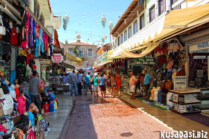 Shopping street, Kusadasi.