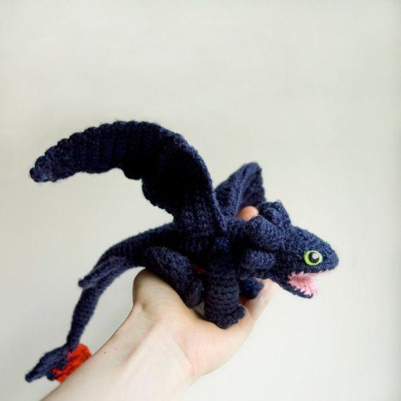 Meet the Toothless dragon, now in a cute amigurumi form! If you know how to crochet and like this character, you can create your own Toothless with