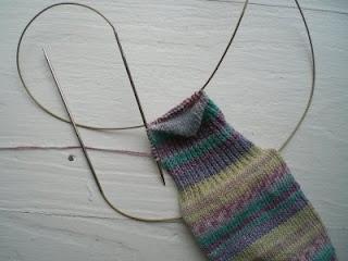 Magic loop knitting picture tutorial (turning the heel)