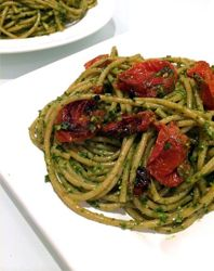 Spinach Pesto Pasta with Roasted Tomatoes - Simple Truth