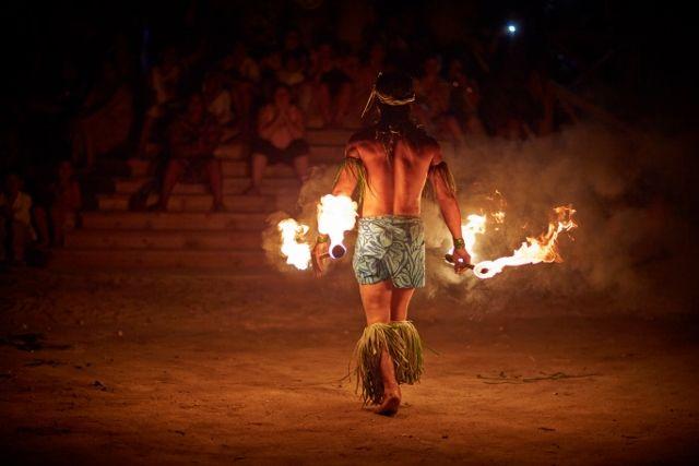 Return to Paradise Beach Resort, SAMOA Fire & knife dancer