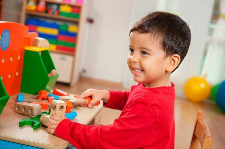 Μικρή Αγκαλιά: Σημάδια Αυτισμού στη σχολική ηλικία