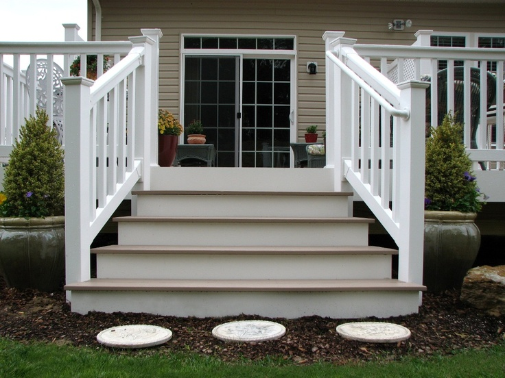 Best Azek Flared Deck Steps And Longevity White Pvc Railing 640 x 480