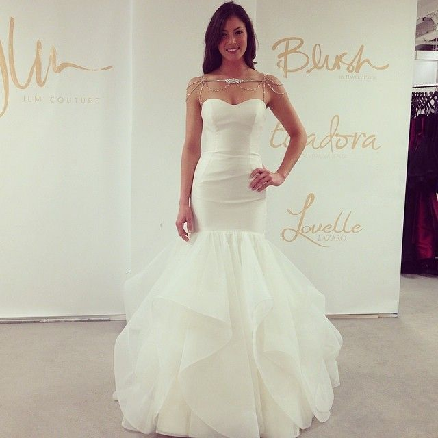 Check out this va-va-voom mermaid gown from Blush by Hayley Paige
