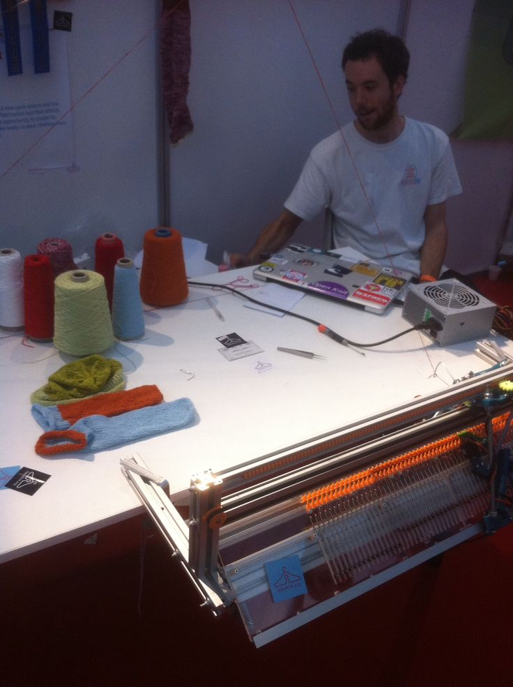 Maker Faire digital knitting machine 2014