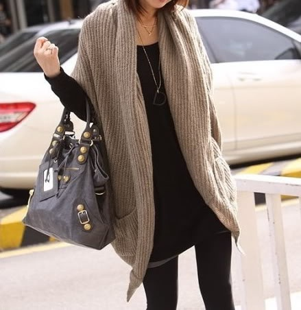 : Outfits, Fashion, Style, Chic Sweaters, Over Sweaters, Camels Colors, Leather Bags, Knits Sweaters, Cardigans Sweaters