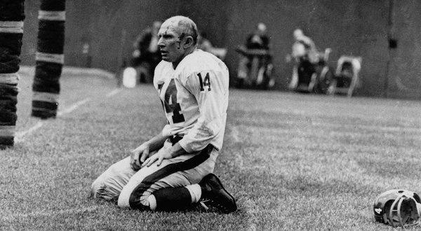 when jocks were tough....Y. A. Tittle, NY Giants