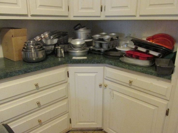 Baking Lot- Muffin Pans, Wilton Cake Shape Pans Huggable Bear, Tropical