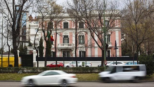 Doce palacios de la Castellana que sobrevivieron a la piqueta....el de los duques de Híjar —hoy embajada de Portugal