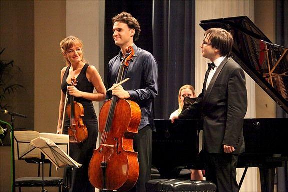 Nicola Benedetti & her Trio. Credit: Anna Lythgoe