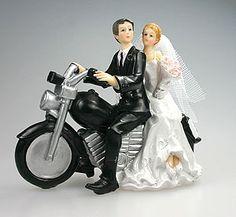 """Une touche d'originalité pour les """"bikers"""" dans l'âme avec cette figurine des mariés à moto ! A utiliser pour décorer votre pièce montée, gâteau, vos tables ou votre buffet ! http://www.mariage.fr/shop/la-figurine-des-maries-a-moto-mariage-les-accessoires-du-mariage.htm"""
