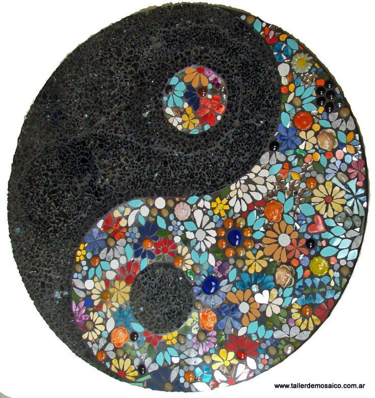 17 best images about mandalas on pinterest mandala art for Dibujos para mosaiquismo