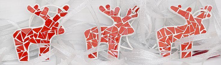 """Олени - главные помощники Санта Клауса. Именно они помогают главному рождественскому волшебнику доставлять детям подарки (тем, кто весь год вел себя хорошо) или угольки (тем, кто не отличался хорошим поведением).  Запасайтесь подарками!   Сувенир """"Олень Санта Клауса"""".  M10041 http://kamos.com.ua/m10041  #kamos #kamos_mosaic #gift #decor #NewYear #reindeer #mosaic #подарок #декор #НовыйГод #олени #мозаика"""